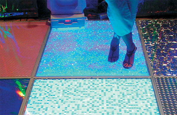 Illuminated floor tiles flooring ideas and inspiration for Illuminated floor