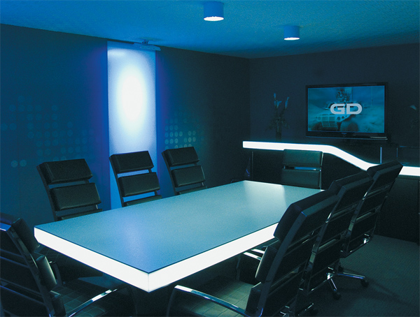 Meet Markets EXHIBITOR Magazine - Blue conference table
